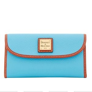 NWT Dooney Continental Clutch Wallet